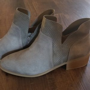 American Eagle Fashion Ankle Boot NWOT